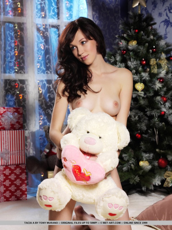 nude czech babes at christmas